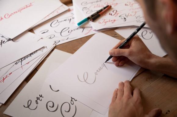 'Het logo is gebaseerd op mijn eigen handschrift.'